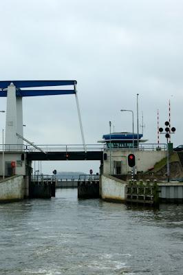 Afbeelding van de Roggebotsluis en de Zwolsebrug