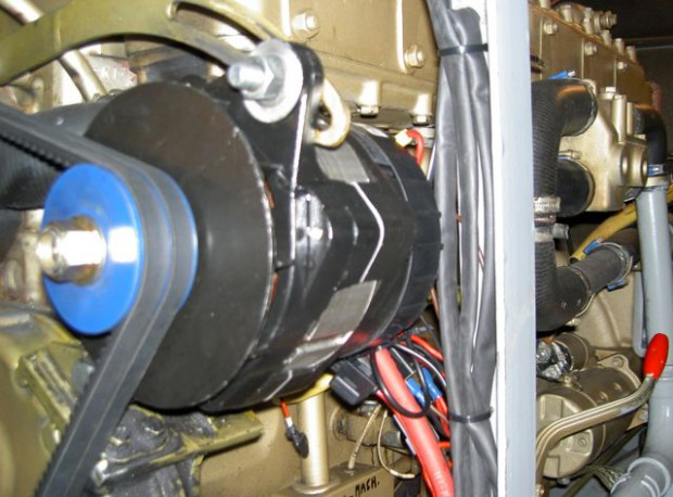 Afbeelding Nieuwe Mastervolt dynamo 140A stuurboordmotor