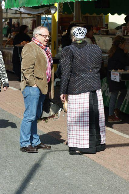 Afbeelding vrouw in klederdracht