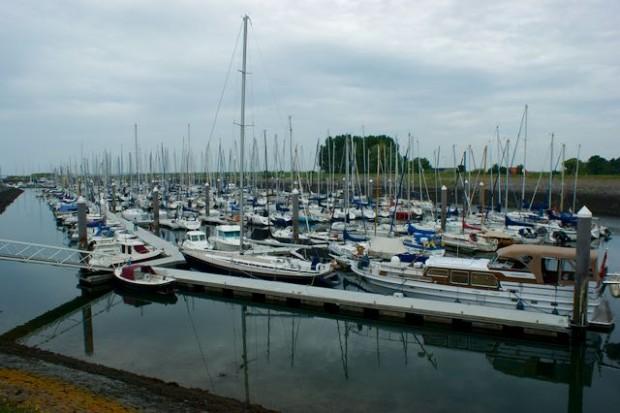 Afgaand tij in de oost haven van Wemeldinge