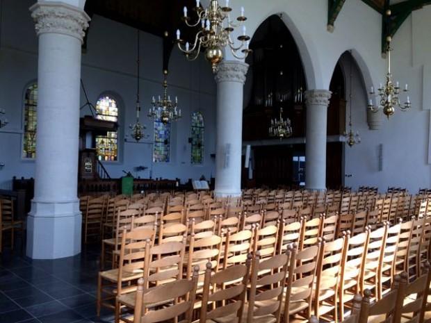 Het interieur van de Maartenskerk in Wemeldinge