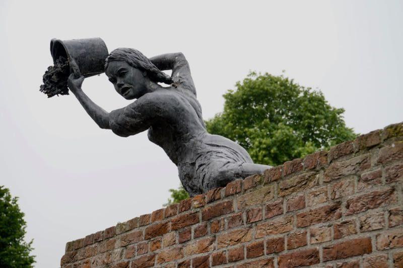 Vrouwen van Goedereede in de verdediging tijdens de 'Hoekse en Kabeljauwse twisten' van 1490