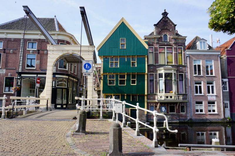 De 'Oude stad' met het huis met de kogel in Alkmaar
