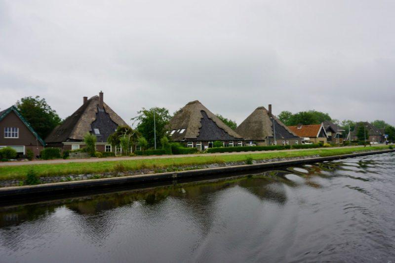 Stolpboerderijen langs het Noord Hollands Kanaal