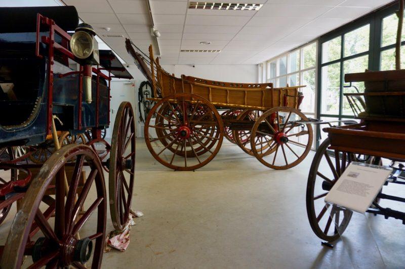 De rijtuigen in Museum Vreeburg