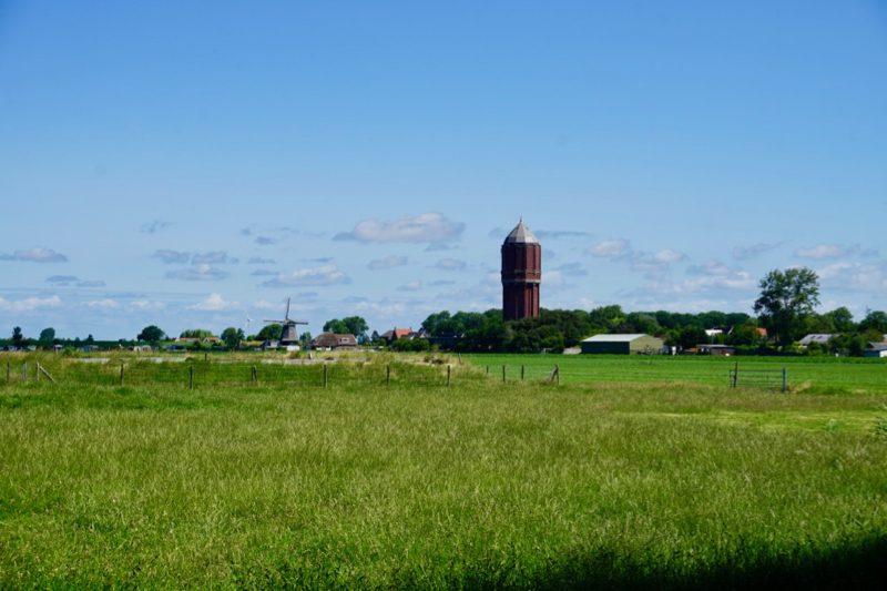 Watertoren en molen bij Wieringerwaard