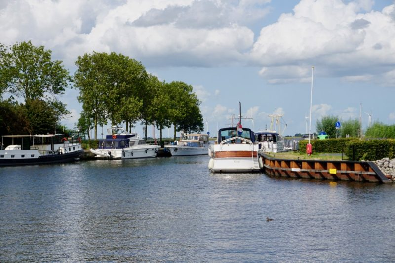 Aangemeerd in het havenkanaal naar Spakenburg