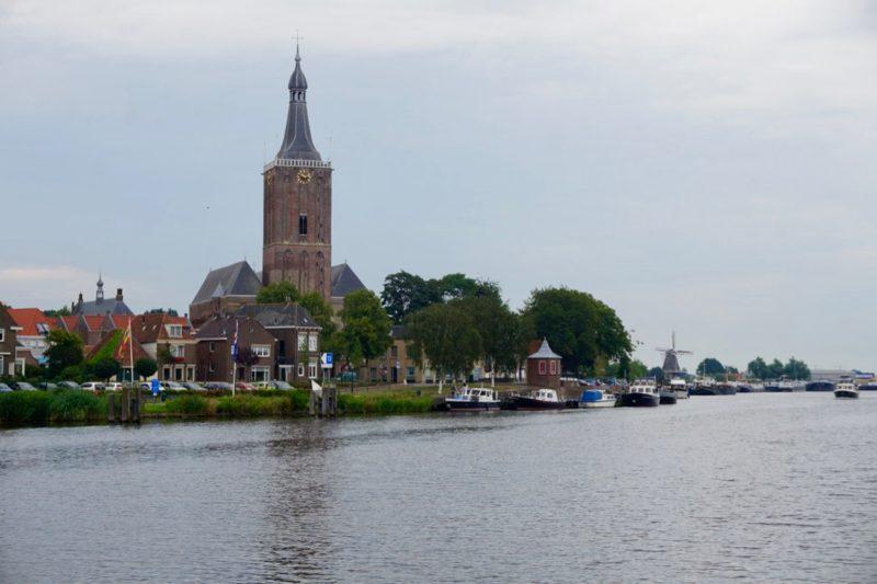 De gemeentelijke aanlegplaatsen voor de kade van Hasselt