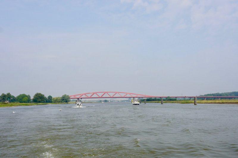 De Hanzeboog over de IJssel tussen Hattem en Zwolle