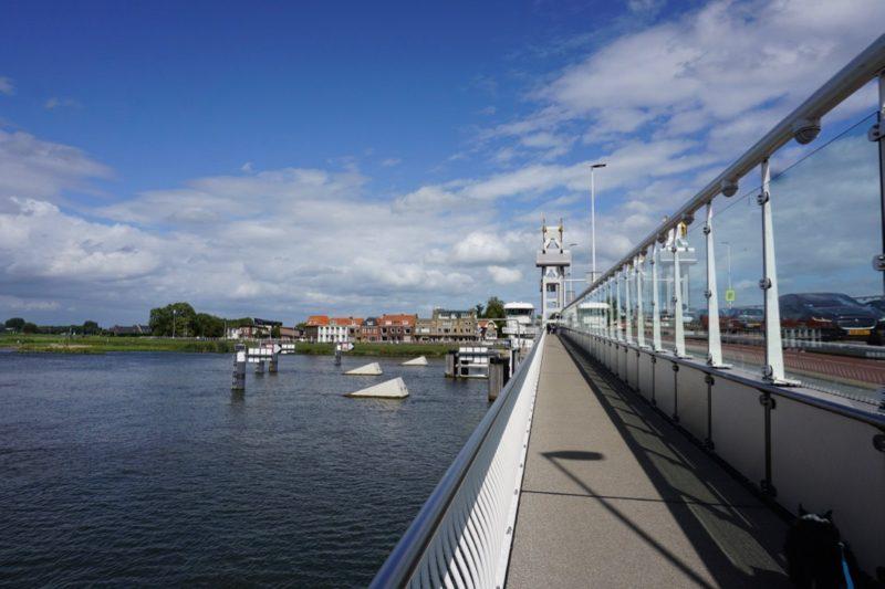 De caissons voor de Stadsbrug van Kampen