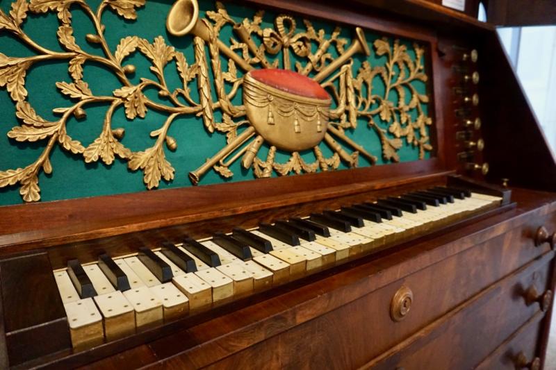 Antiek kabinetorgel in het Orgelmuseum van Elburg