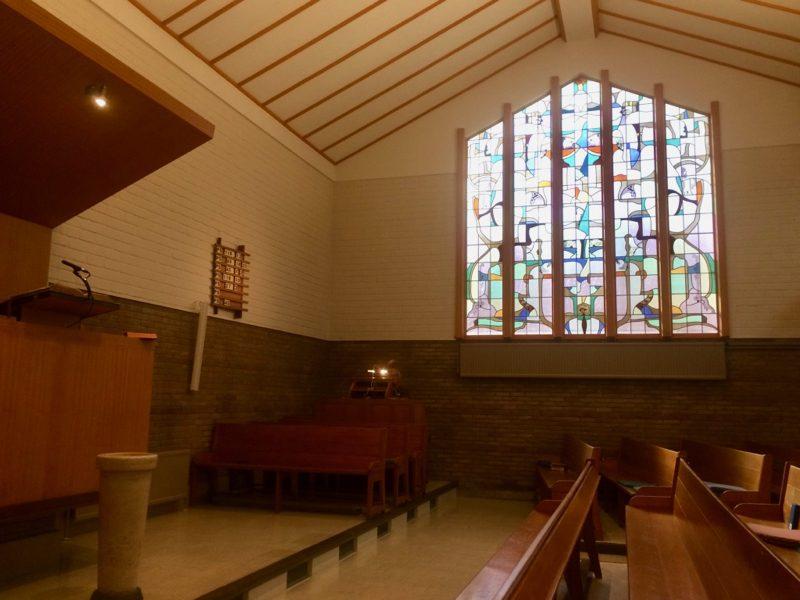 Kerkinterieur van de Christelijk Gereformeerde Kerk van Naarden